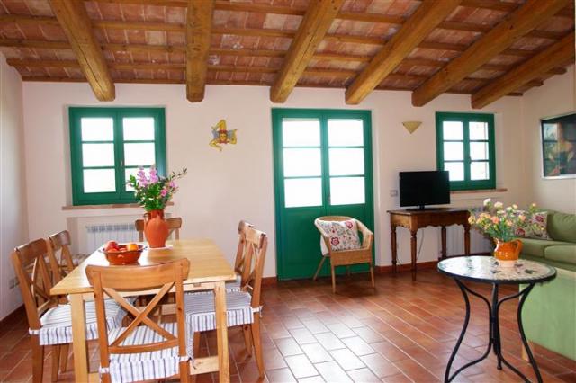 Villa Met Zwembad Montecarotta 58
