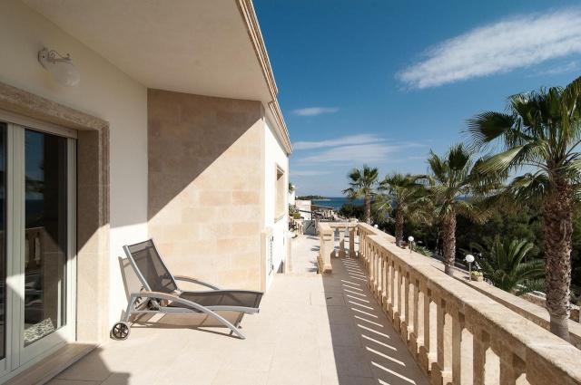 Villa Met Zwembad En Zeezicht Puglia 23