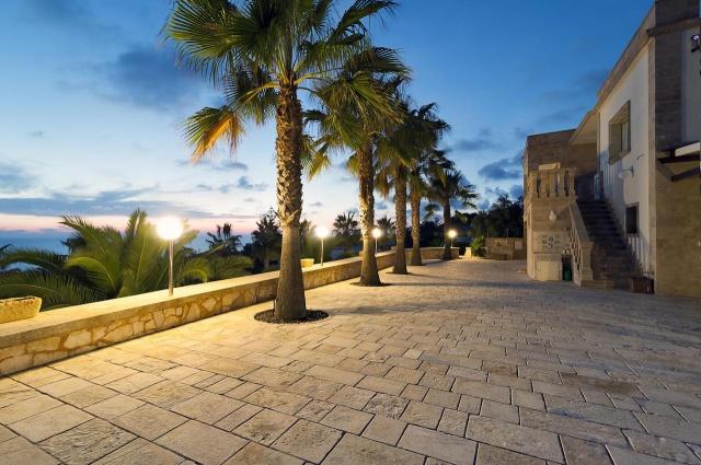 Villa Met Zwembad En Zeezicht Puglia 26