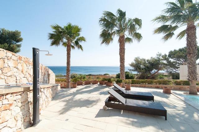Villa Met Zwembad En Zeezicht Puglia 6
