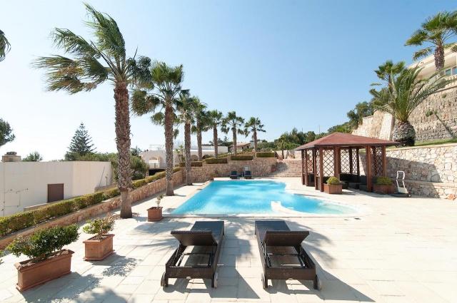 Villa Met Zwembad En Zeezicht Puglia 7