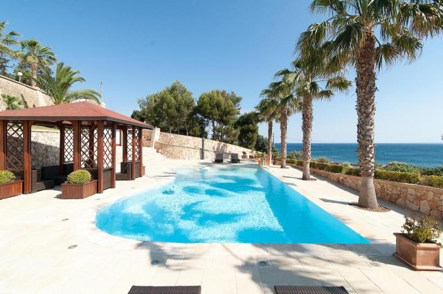 Villa Met Zwembad En Zeezicht Puglia 9