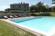 Grote_vakantie_villa_met_zwembad_in_Le_Marche_1